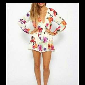 Choies nwt floral romper size large